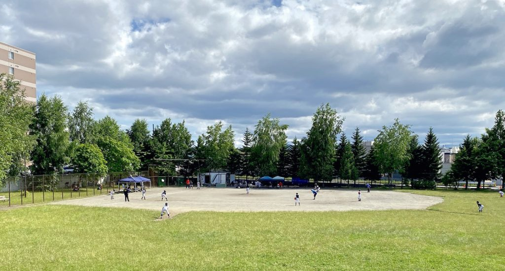 平岡中央公園野球場