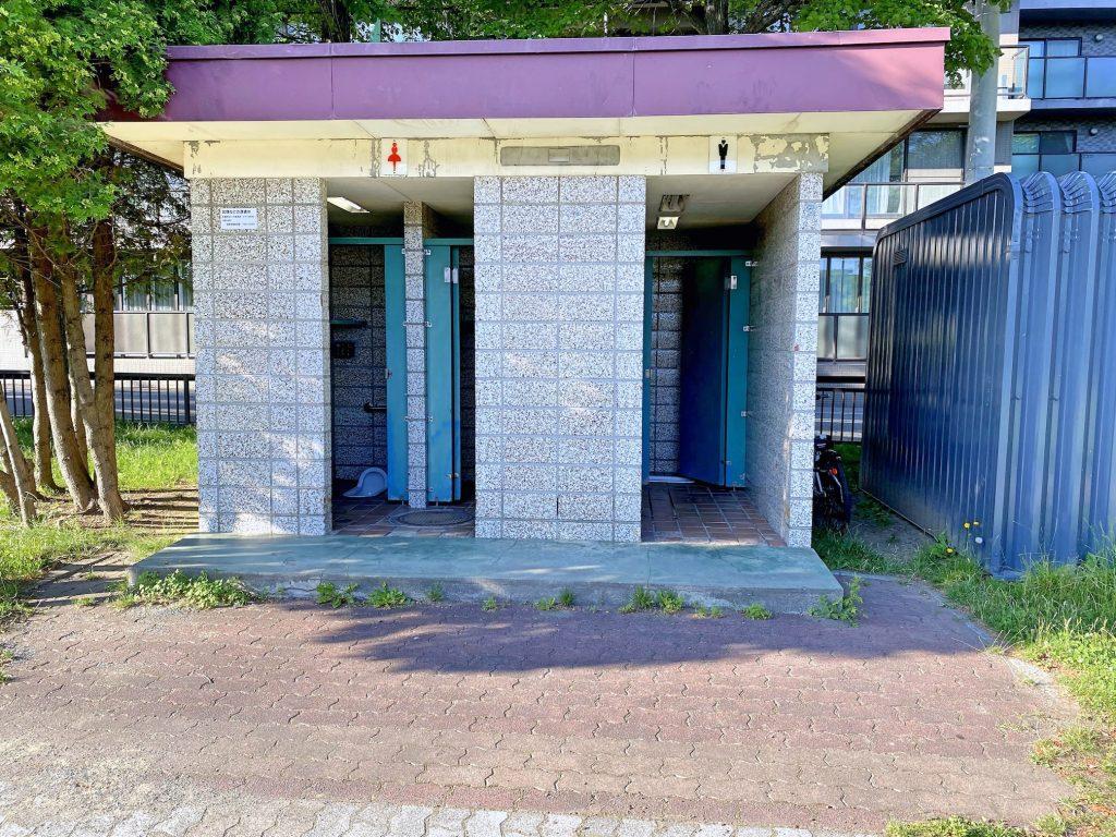 白石ふじ公園トイレ