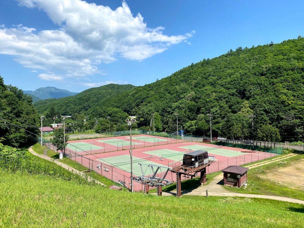 夏のばんけい テニスコート