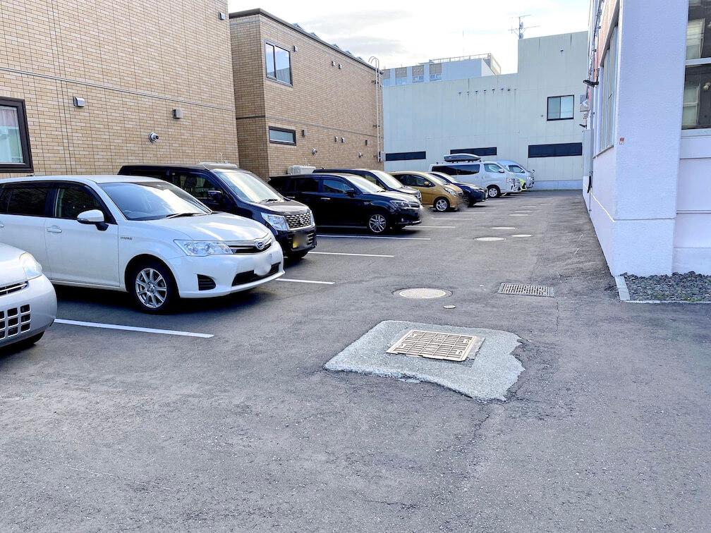 アカシヤ若者センター 駐車場