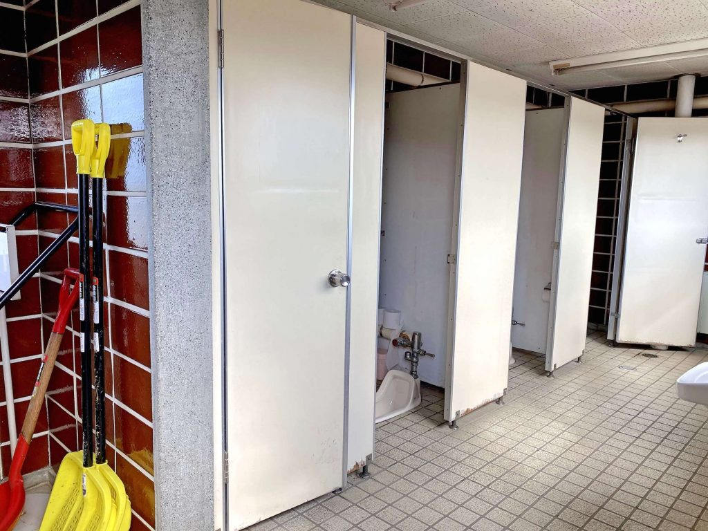 月形温泉駐車場トイレ