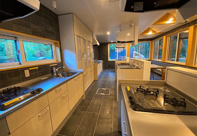 層雲峡オートキャンプ場,週末移住コテージ共用キッチン
