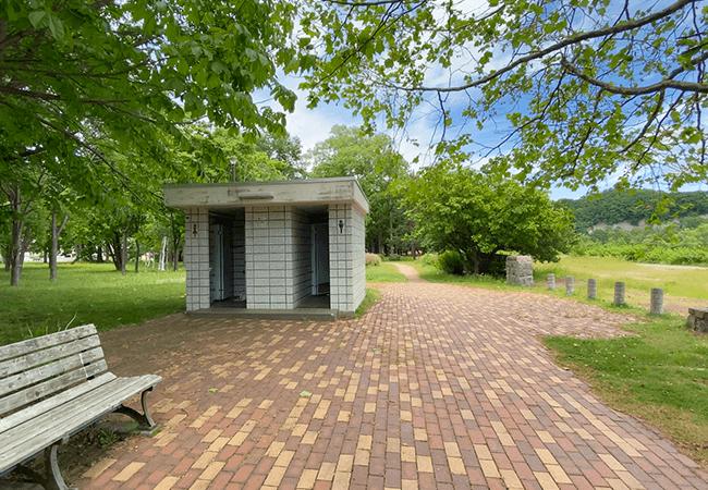 川沿公園トイレ