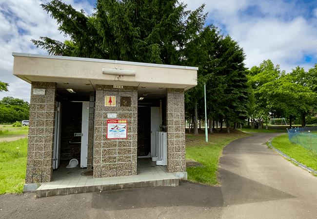 石山東公園トイレ