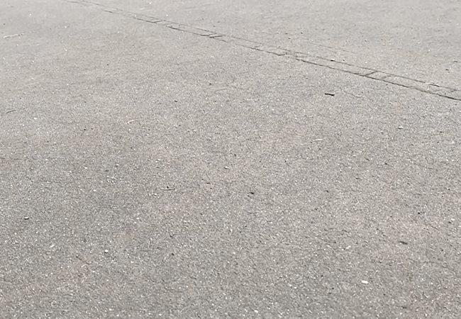 石山東公園バスケットコート地面