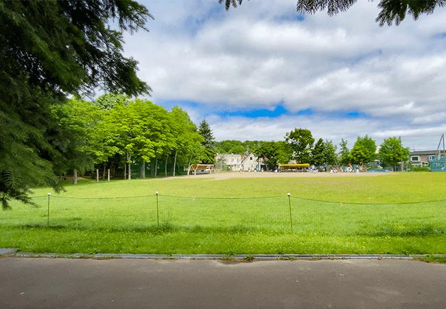 石山東公園少年野球場