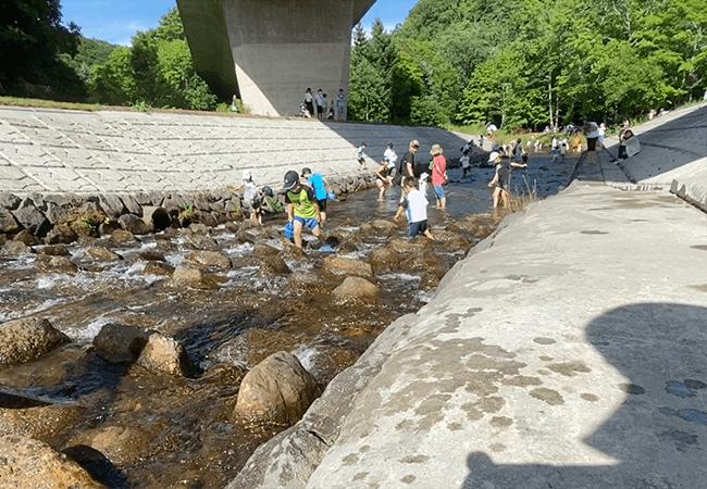 国営滝野すずらん丘陵公園渓流ゾーン川遊び