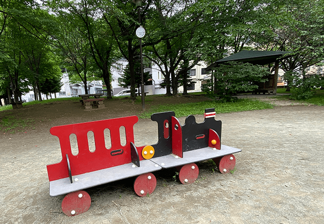 南円山さくら公園遊具