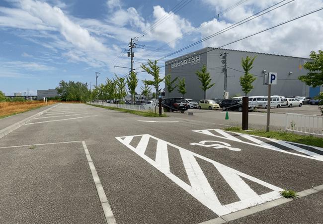 厚別川緑地バーベキュー広場駐車場