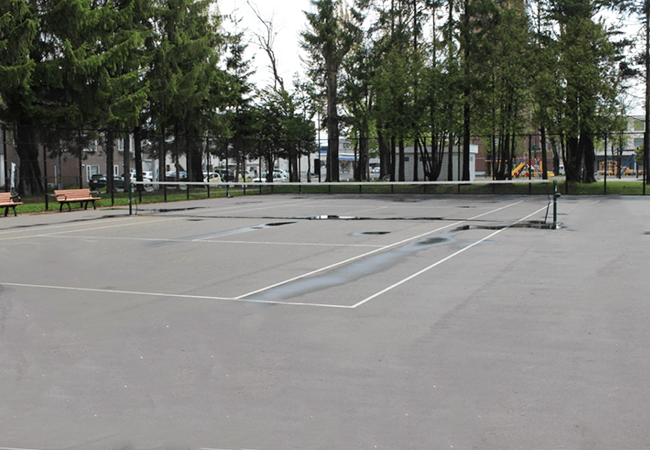 もつき公園テニスコート