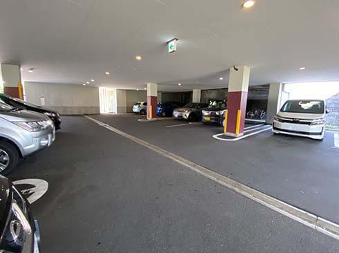 スナッフルス清田店駐車場